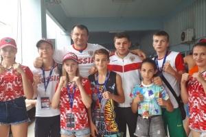 Медалисты первенства мира по тайскому боксу из Сочи